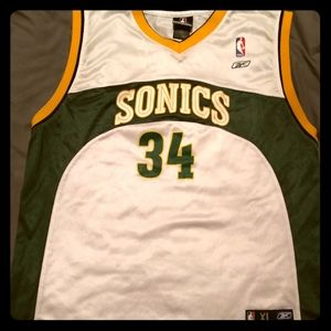 Vintage Seattle Supersonic's Ray Allen jersey